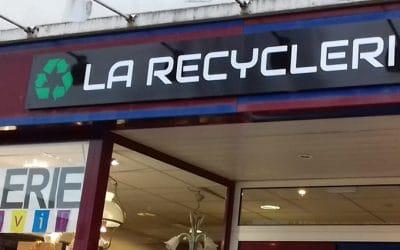Seconde Vie : réussite de la braderie gratuite à la recyclerie !